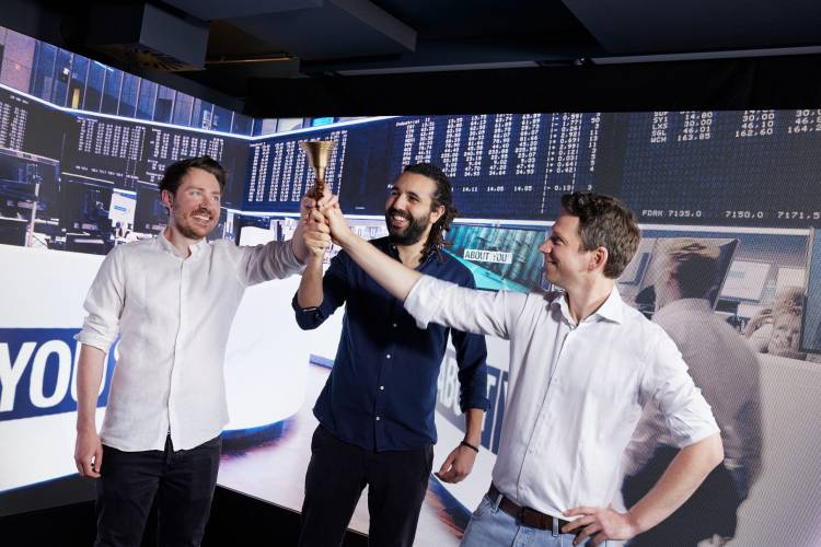 ABOUT YOU celebrates first day of trading as a listed company